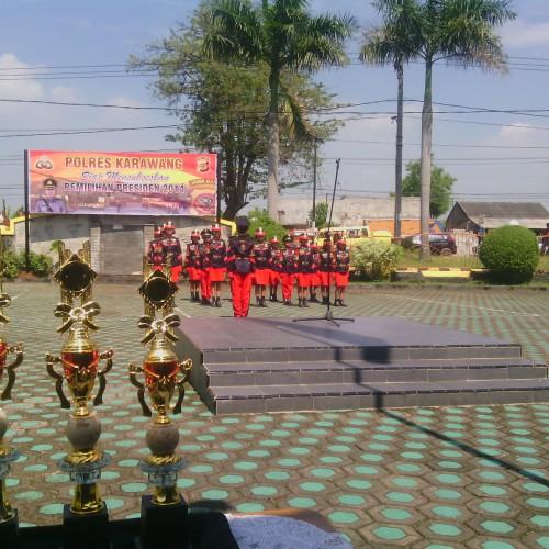 perlombaan baris berbaris yang diikuti Polisi Cilik  se- Karawang, Senin (16/6/14). (foto : Yuda)