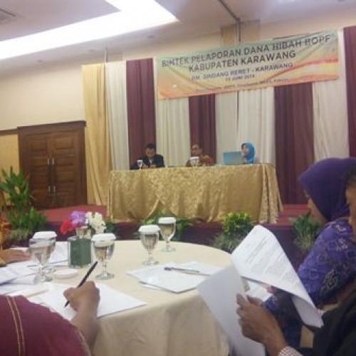 Gelaran Acara Bimtek Untuk Para bendahara SMA, di Sindang Reret, Jumat (13/6/14) (Foto : eel)