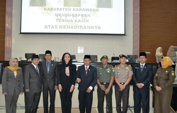 Foto bersama DPRD, Kapolres, Dandim 0604 serta Kejati Karawang
