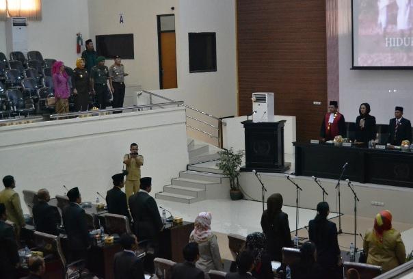 Pelantikan berlangsung lancar di gedung DPRD Karawang