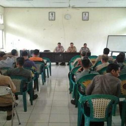 Rapat Koordinasi Mengenai Pengukuran Ulang Batas Tanah Di Aula Kec. Tegalwaru