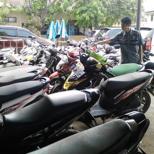 Barang Bukti Kendaraan Roda Dua Hasil Pencurian Yang Diamankan Pihak Kepolisian